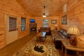3 Bedroom Cabin with Fireplace in living room