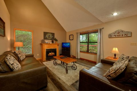 Cabin with fireplace - Foxes Den