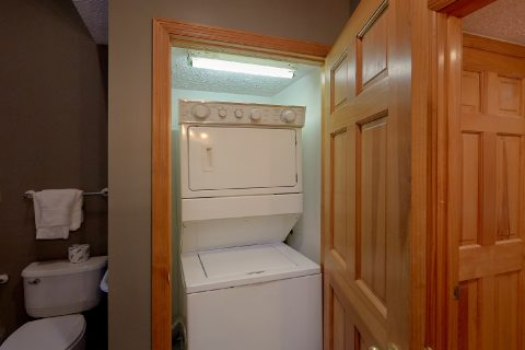 Stack Washer and Dryer 2 Bedroom Sleeps 4 - Foxes Den
