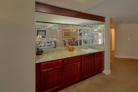 Gatlinburg Condo with wet bar and full Kitchen - Gatehouse 505