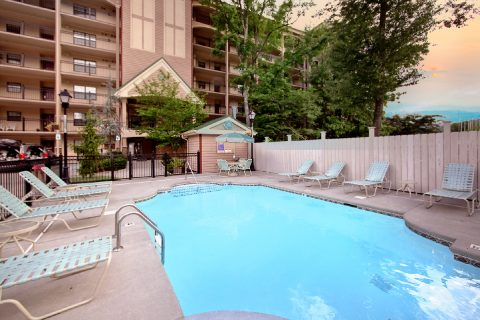 2 Bedroom condo with Pool in Gatlinburg - Gatehouse 505