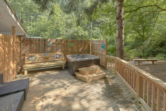 Private Deck with Hot tub 2 Bedroom Cabin - Gatlinburg Creekside Haven