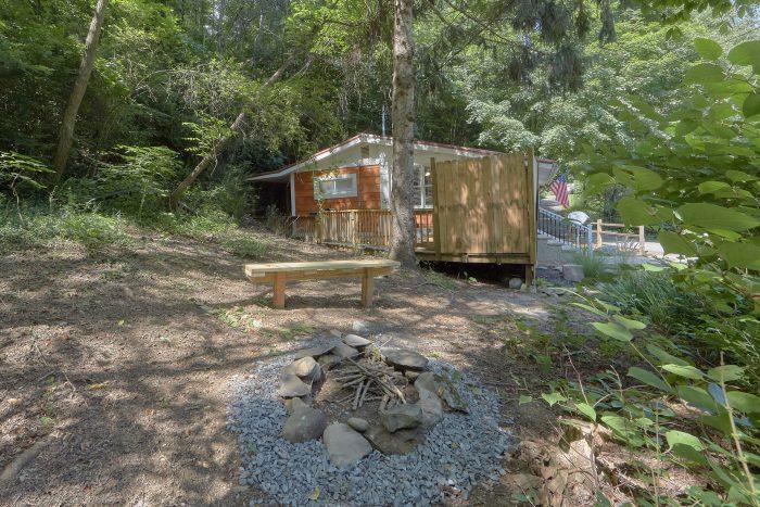 Gatlinburg Creekside Haven Cabin Sleeps 4 - Gatlinburg Creekside Haven