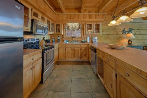 Beautiful 3 Bedroom Cabin sleeps 8 in Gatlinburg - Gatlinburg Splash