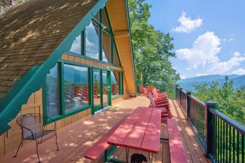Cabin overlooking Ober Ski Resort in Gatlinburg - Grand Pinnacle