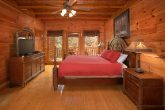 8 Bedroom Cabin Sleep 24 with 5 King Beds