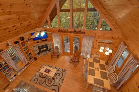 Spacious 3 Bedroom Gatlinburg Cabin - Gray Fox Den