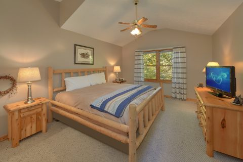 Master Bedroom - Gray Fox Den