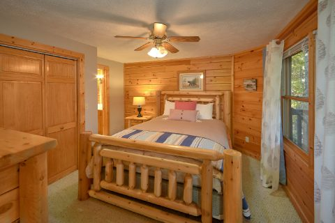 3rd Bedroom in Gatlinburg - Gray Fox Den