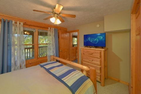 "TV""S in All Bedrooms 3 Bedroom Cabin - Gray Fox Den"