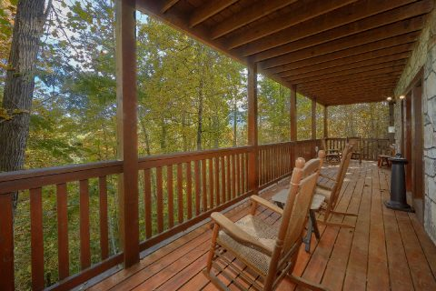 Gatlinburg 3 Bedroom Cabin Sleeps 6 - Gray Fox Den