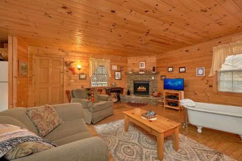 1 Bedroom Cabin Near Pigeon Forge - Gray's Place