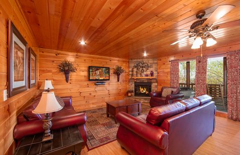 8 Bedroom Cabin with mountain views and elevator - Great Aspirations