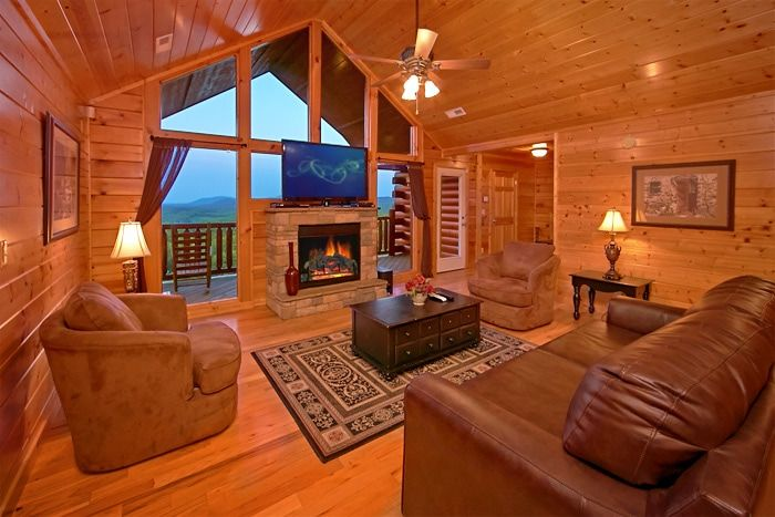 8 bedroom cabin with den and fireplace - Great Aspirations