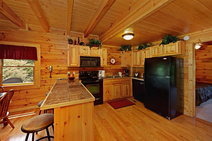 Cabin with Fully Furnished Kitchen - Great Escape