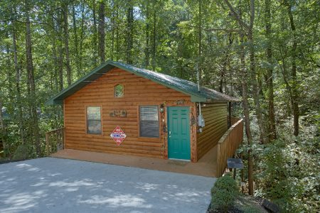 All Tucked Inn- Kimbles: 2 Bedroom Pigeon Forge Cabin Rental
