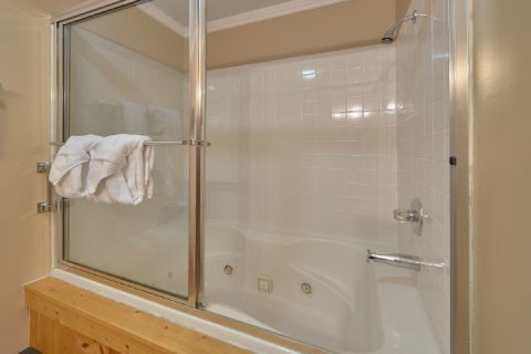 Bath Room - Growly Bear