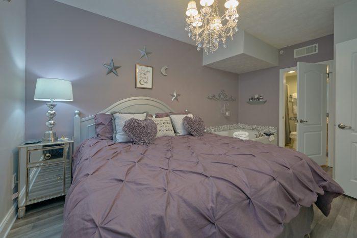 Golf View Resort Condo with Master Bathroom - Hailey's Comet