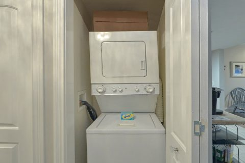 Condo in Pigeon Forge with a washer and dryer - Hailey's Comet