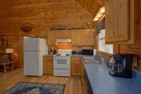 1 Bedroom Cabin with Fully Equipped Kitchen - Happily Ever After