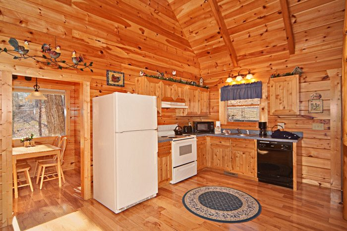 Honey Moon Cabin with Furnished Kitchen - Happily Ever After