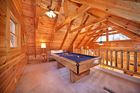 1 bedroom cabin with Pool Table and Loft - Happily Ever After