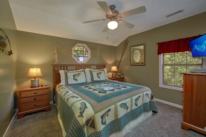 King Bedroom Furnished with Flat Screen TV - Happy Trails
