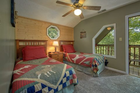 4 Bedroom Cabin with 2 Twin Beds - Happy Trails