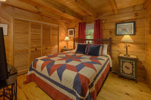1 Bedroom Honeymoon Cabin with Wooded Views - Have I Told You Lately