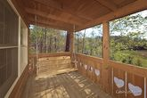 1 Bedroom Honey Moon Cabin with a Swing