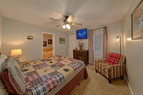 King Bedroom with TV in Gatlinburg Condo - Hearthstone