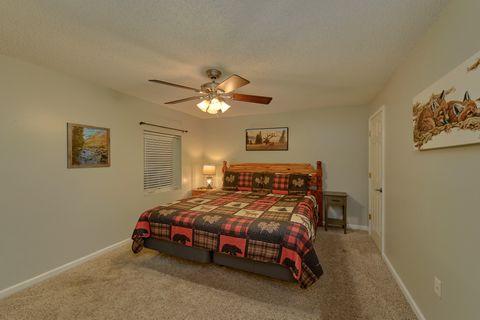 Gatlinburg Condo with 2 King Bedrooms - Hearthstone
