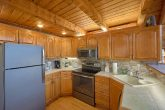 5 Bedroom Cabin in Gatlinburg with Full Kitchen