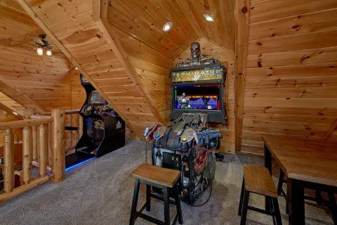Spacious 4 Bedroom with Game Room - Heavenly Hideaway