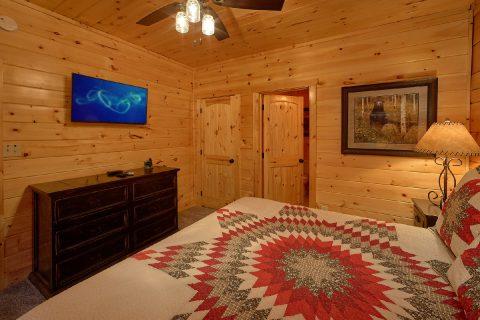 TVs in Every Room Luxurious 4 Bedroom Cabin Slee - Heavenly Hideaway