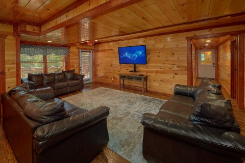 Large Open Space 12 Bedroom Sleeps 54 - Heavenly Retreat Lodge