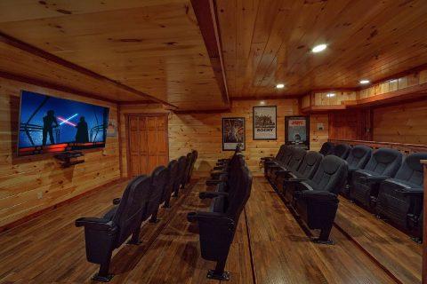 Large Theater Room 12 Bedroom Cabin Sleeps 54 - Heavenly Retreat Lodge