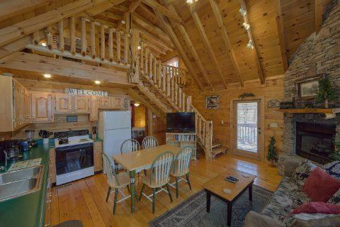 Open Floor Plan 2 Bedroom 2 Bath Cabin Sleeps 6 - Heavenly-RAE
