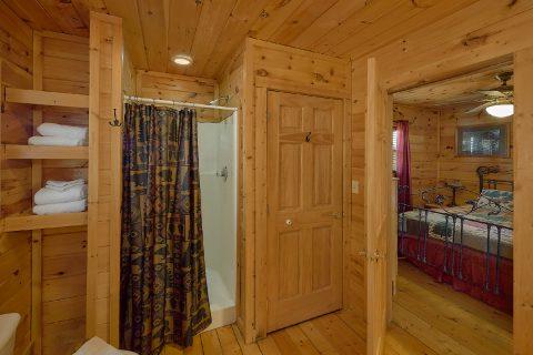 2 Bedroom Cabin with Walk in Shower - Heavenly-RAE