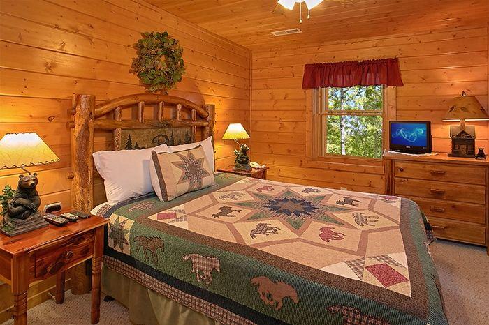 2 Bedroom Cabin that will Sleep up to 7 - Hemlock Hideaway