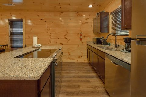 Fully Furnished kitchen in 2 bedroom cabin - Hemlock Splash