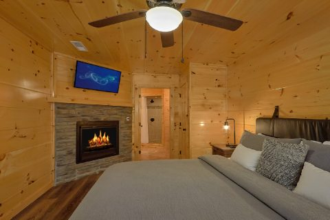2 bedroom cabin with King bed and fireplace - Hemlock Splash