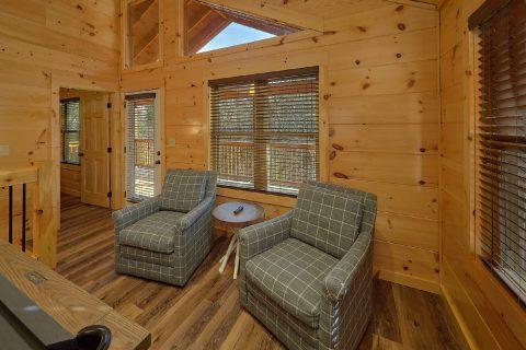 Luxury cabin with 2 bedrooms and game room - Hemlock Splash