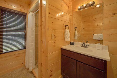 2 bedroom cabin with 2 and a half baths - Hemlock Splash