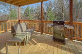 Pigeon Forge 2 bedroom cabin with gas grill