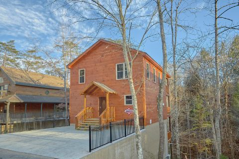 2 bedroom luxury pool cabin with flat parking - Hickory Splash