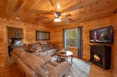 Cabin with Luxurious Living Room