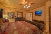 Flat Screen TV's in Every Room 4 Bedroom Cabin
