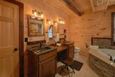 Luxurious 4 Master Bedroom Cabin Sleeps 12