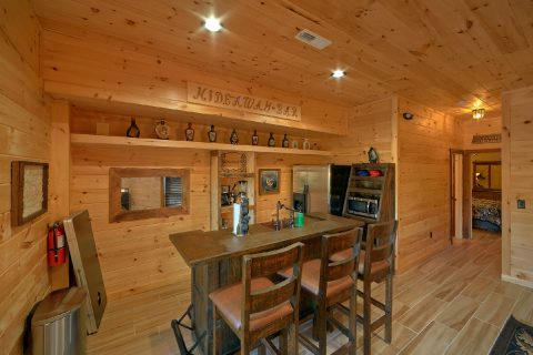 4 Bedroom Cain with Kitchenette and Bar - Hideaway Dreams